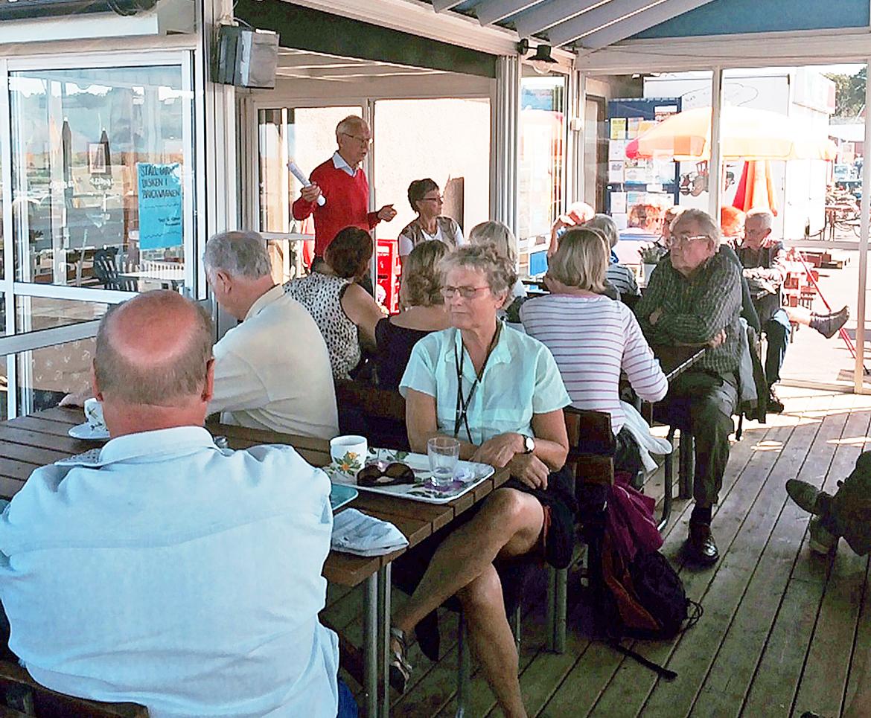 Frukostmöte i Sandvik - Åke och Dagny Axelsson