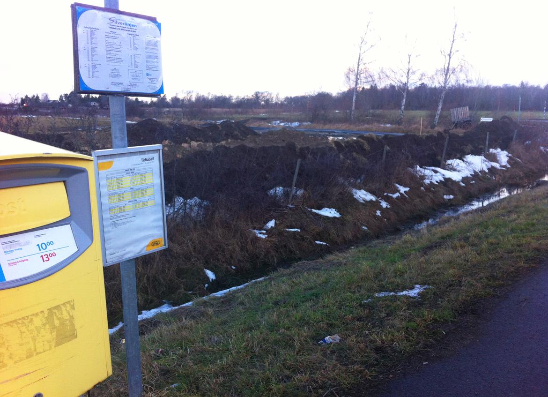 Grävning för ledningar till avsaltningsverket i Sandvik
