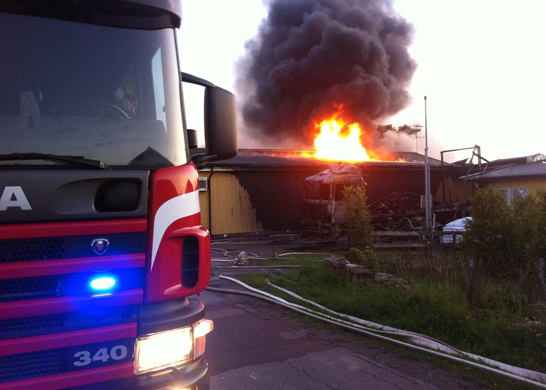 ICA Nära Trossen i Sandvik brinner